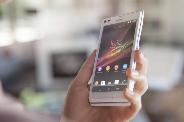 Sony launches two new smartphones – Xperia L and Xperia SP