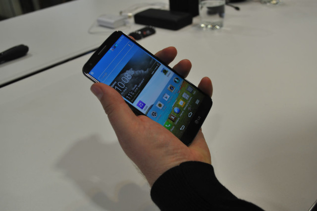 LG G2 to launch on Optus in November