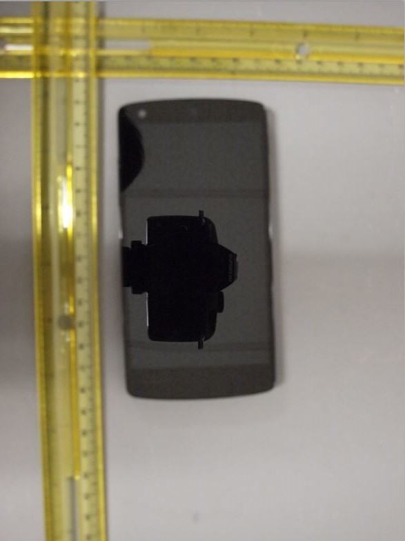Clear shots of what looks like the new Nexus found at the FCC