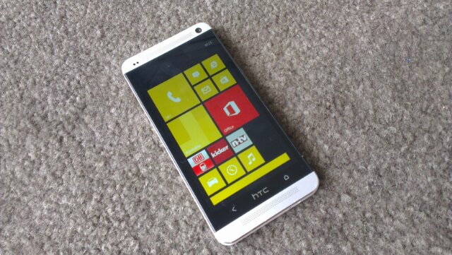 Microsoft reportedly trying to get HTC to dual-boot Windows on its Android phones