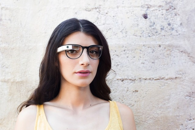 Google Glass updated to XE19.1 – adds cleaner visual interface and better connectivity