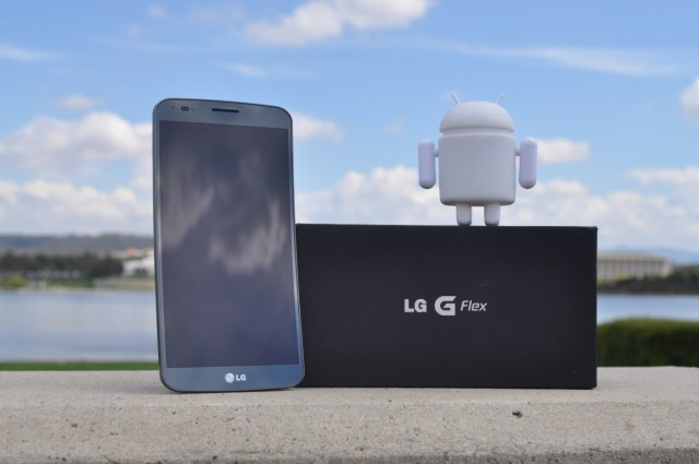 LG G Flex now available from Optus
