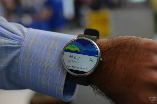A closer look: Moto 360