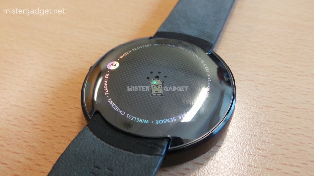 Moto 360 - Pedometer - Wireless Charger - Heart Rate - IP67