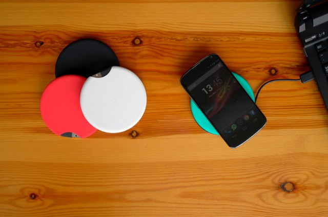 Kickstart This: Qimini Deuce is a portable Qi charger with 2,000 mAh battery built in