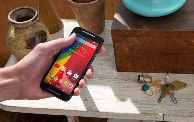 Officeworks begins selling the new Moto G