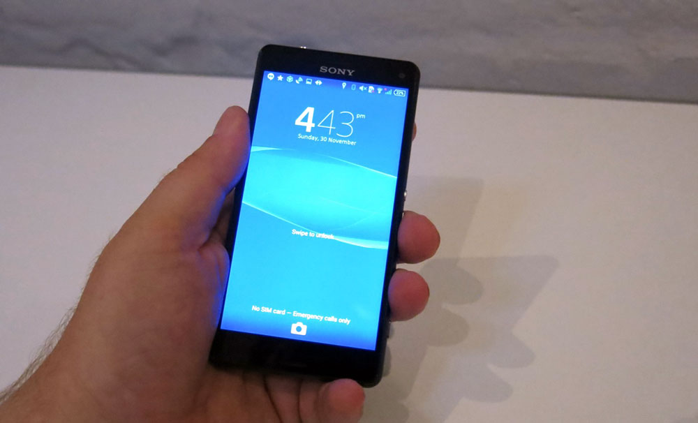Sony Xperia Z3 Compact — Review