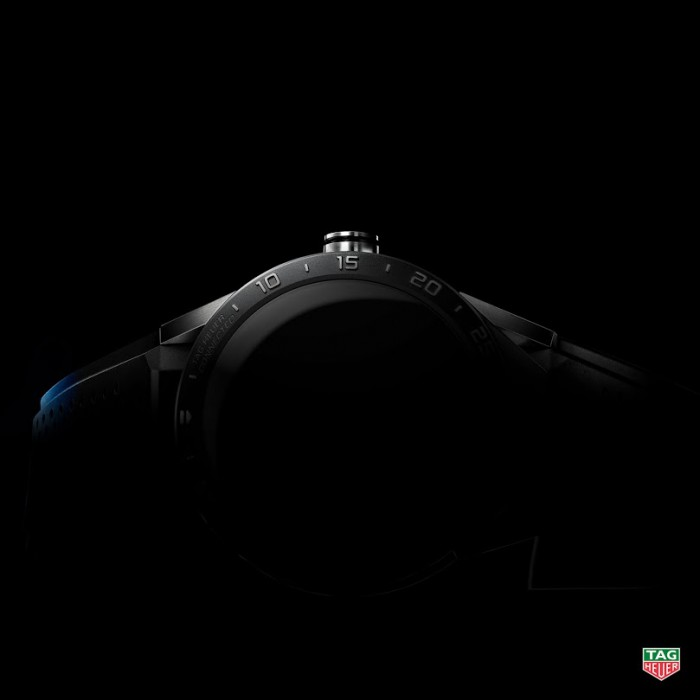 151008_tagheuer_connected_fb