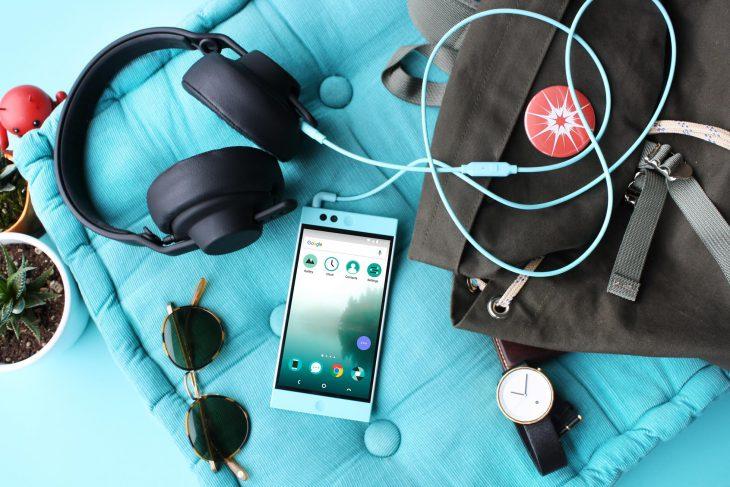 Nextbit - headphones