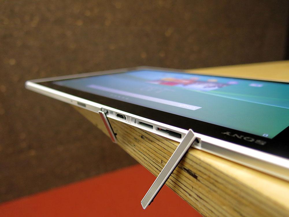 Sony-Z2-Tablet-Top-Open