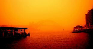 Circular Quay - Sydney Dust Storm Sep 2009 by Gordon https://www.flickr.com/photos/29616398@N05/3947544626/in/album-72157622438281788/